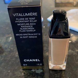 Chanel vitalumiere -soft bisque